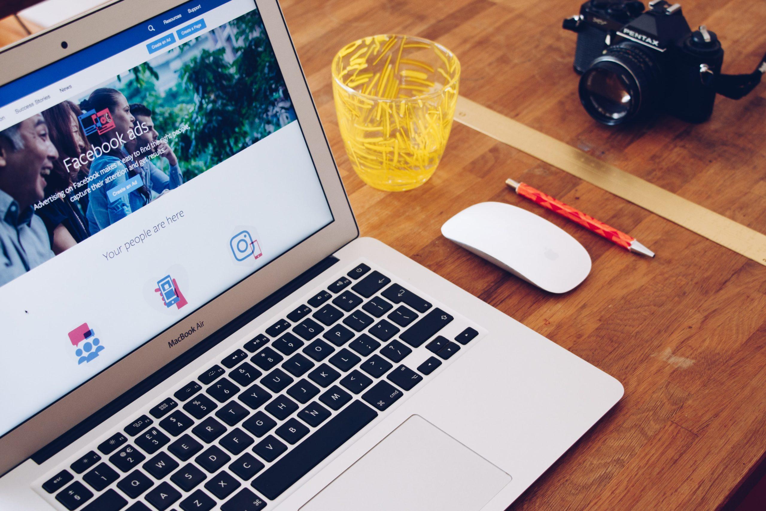 Facebook ads login on laptop